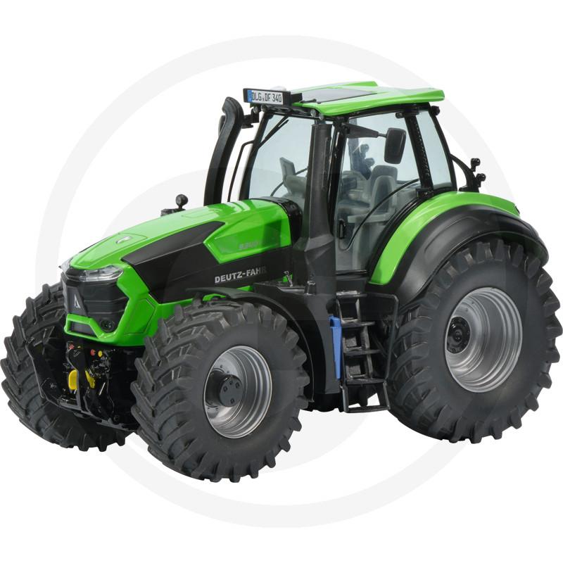 Traktor mierka 1:32